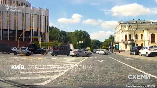 Rinat Akhmetov's motorcade.