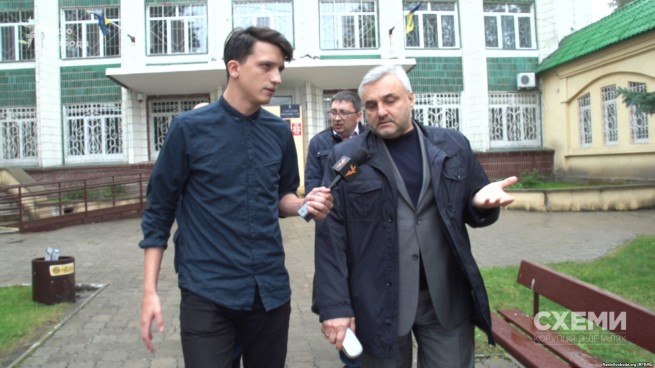 Lazakovych meticulously avoided talking to the journalists